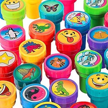German Trendseller® - Stempelset Kinder ┃ 16 Stück bunter Kinder Stempel Mix ┃ Selbstfärbend ┃ Da ist für jeden etwas dabei ✔ -